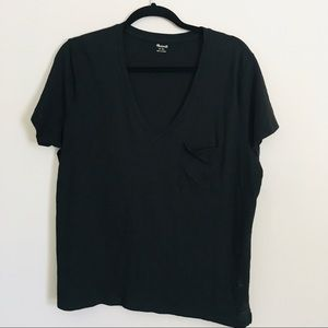 Madewell black t-shirt with front pocket size XL